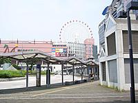 横浜市営地下鉄[センター北駅]に隣接しています。